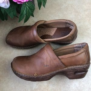 Born Concept Brown Leather Slip on Clogs Sz 10